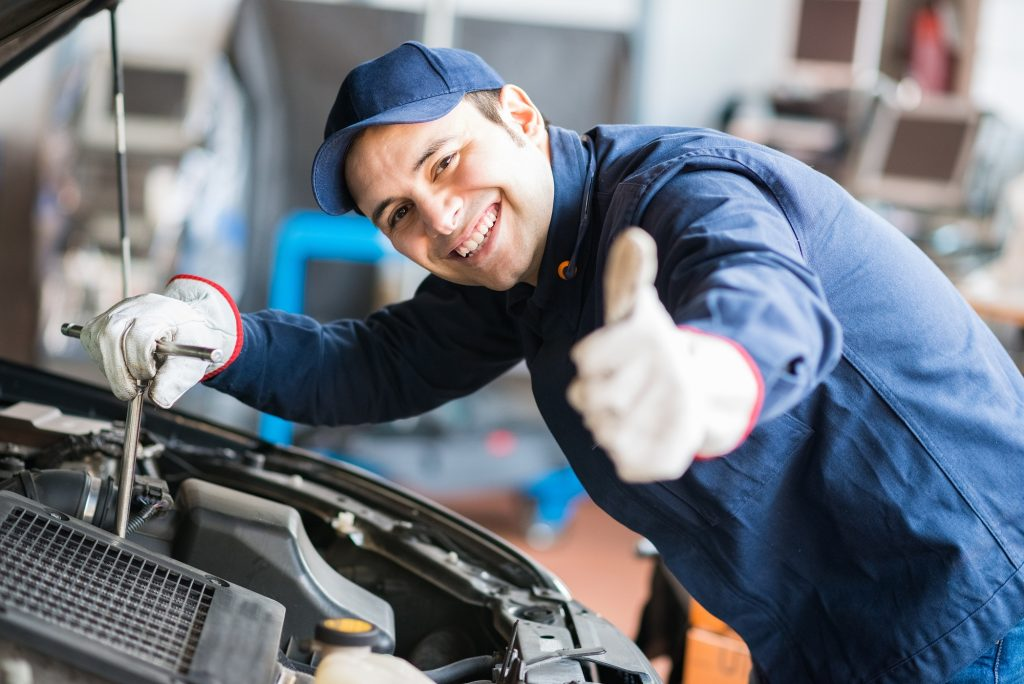 Mobile Mechanic Service & Cost   Towing Services of ...